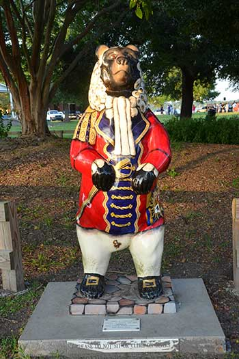 Bears in New Bern NC Judge Statue Image