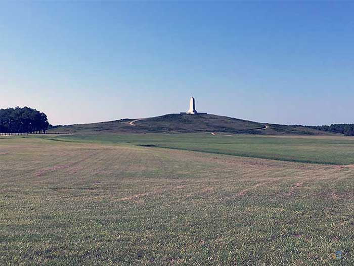 Outer Banks Travel Guide Wright Brothers National Memorial Image