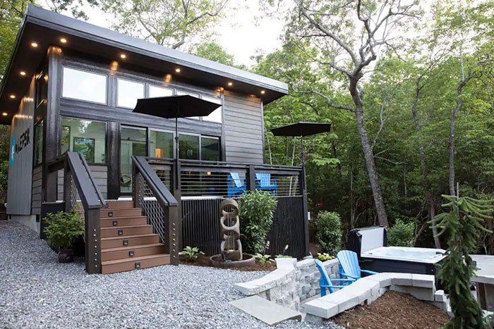 Luxury Romantic Mountain Home near Asheville Image Credit Airbnb