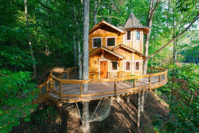 Luxury Treehouse by the Treehouse Guys Image Credit Airbnb