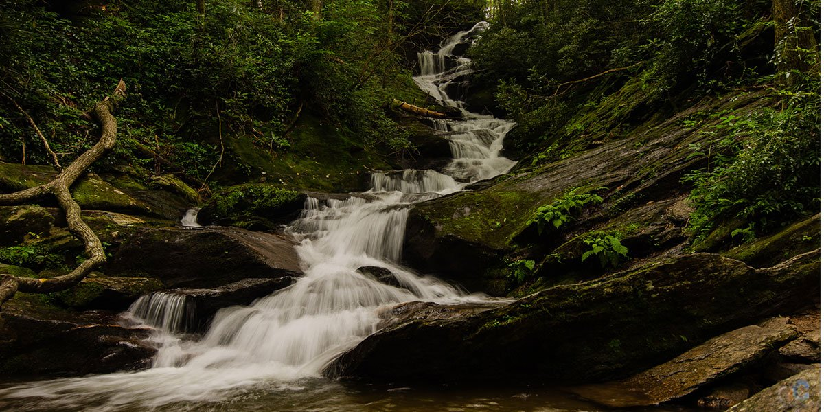 Our guide will share how to enjoy Roaring Fork Falls near Burnsville, an amazing place to visit in Yancey County!