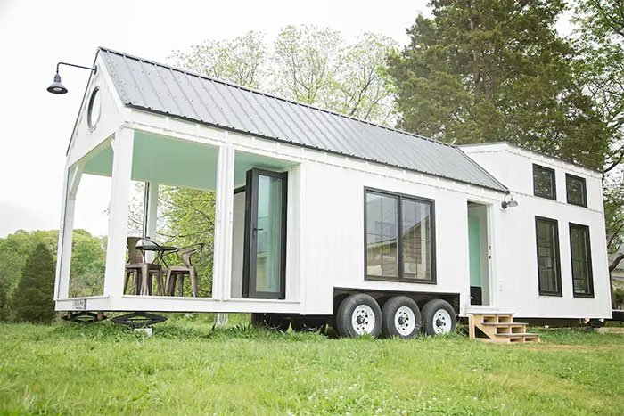 Tiny Houses in North Carolina Roost36